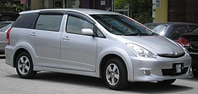 Toyota Wish (first generation, first facelift) (front), Serdang.jpg