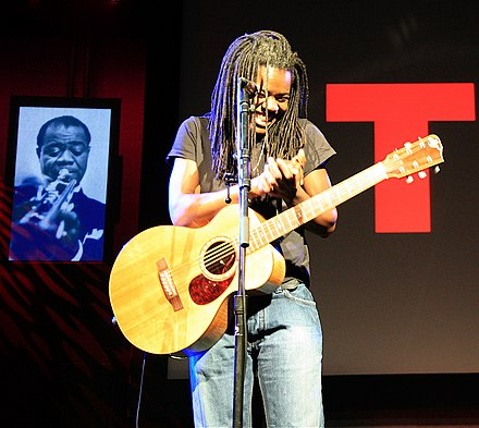 Tracy Chapman began singing about social issues in American society in the 1980s Tracy Chapman at TED conference 2007 by jurvetson.jpg