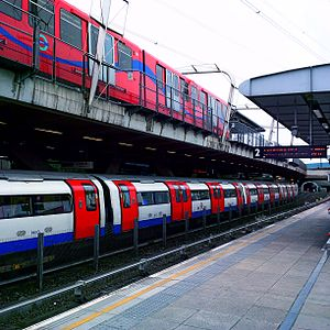 Canning Town station - Image: Trains in canning town