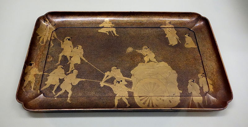 File:Tray, Edo period, 17th century, men pulling a rock design in maki-e lacquer - Tokyo National Museum - DSC05964.JPG