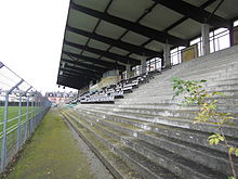 Tribune du stade Moulonguet