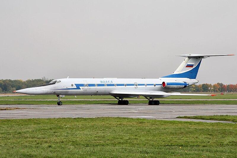 http://upload.wikimedia.org/wikipedia/commons/thumb/b/b8/Tu-134UBL.jpg/800px-Tu-134UBL.jpg