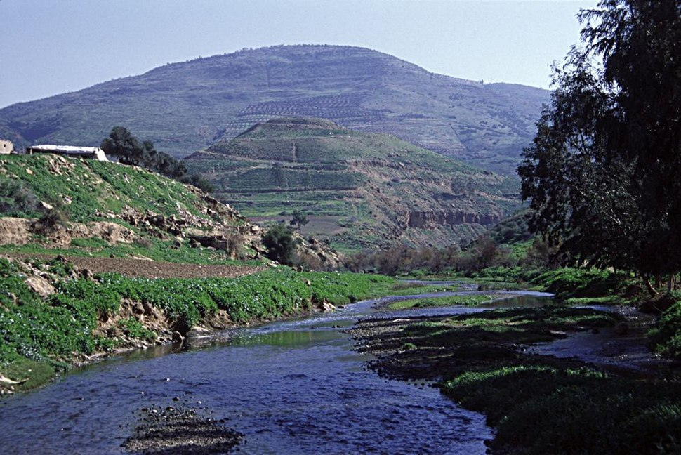 Tulul adh-Dhahab and Jabbok in spring