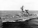 USS Edson (DD-946) at sea in November 1965.jpg