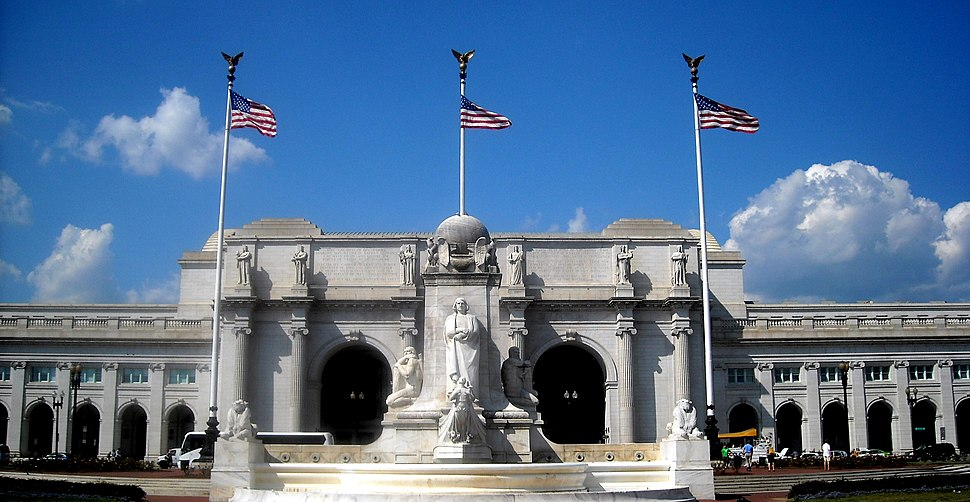 Union Station and Christopher Columbus Memorial Fountain