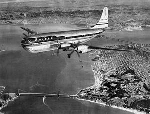 United 377 over Golden Gate