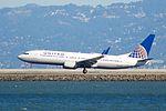 United Airlines Boeing 737 (32699146652).jpg