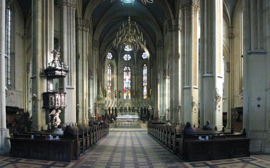 Unutrašnjost Zagrebačke katedrale