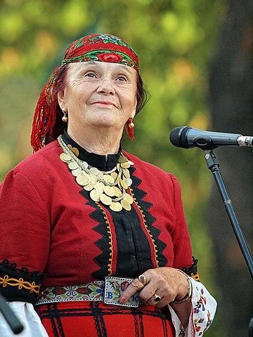 Bulgarian music, folk musician Valya Balkansa