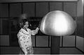 Van de Graaff Generator - Science City - Calcutta 1997 1096.JPG