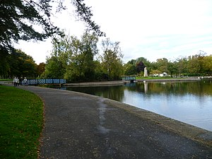 Victoria Park, Glasgow - The larger pond island.