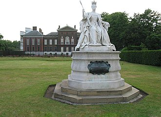 Cultural depictions of Queen Victoria - Image: Victoria statue Kensington