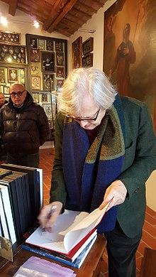 Vittorio Sgarbi in visita al Museo di Saludecio e del Beato Amato, 24 dicembre 2016[52].