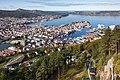 Vista de Bergen desde la montaña Fløyen, Noruega, 2019-09-08, DD 48.jpg