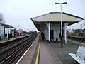 Wandsworth Town stn fast eastbound look east2.JPG