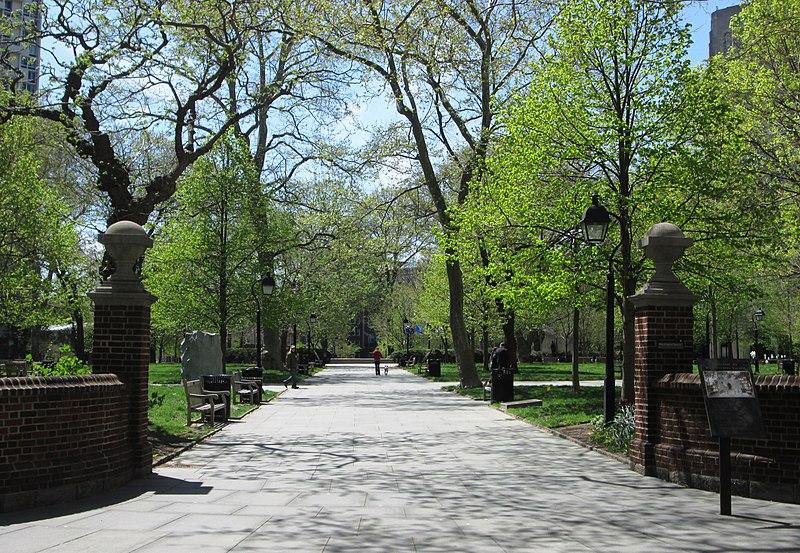 Washington Square northeast entrance.jpg