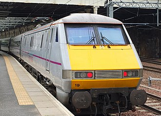 InterCity East Coast - East Coast InterCity 225 at Edinburgh Waverley station in June 2014
