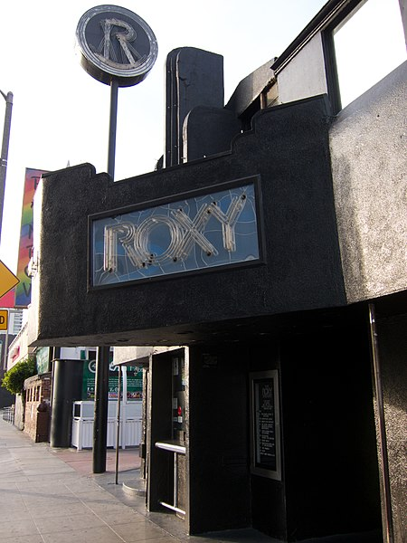 File:We stopped briefly in front of Roxy at Hollywood (11319507825).jpg