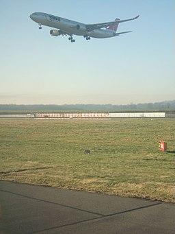 Western Perimeter at Gatwick Airport - geograph.org.uk - 689061
