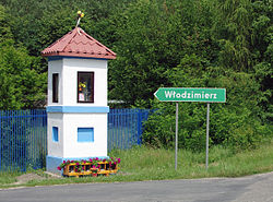 The entrance to the village from Janowice