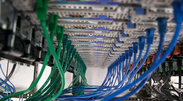 640px-Wmf_sdtpa_servers_2009-01-20_36.jpg