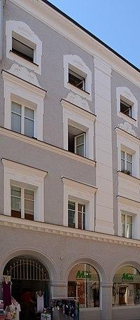 Wohn- und Geschäftshaus Theresienstraße 32 (Passau) a.jpg