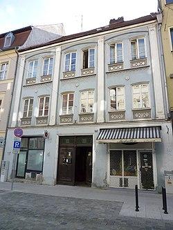 Wohnhaus, Fraunhoferstr. 20, Staubing.JPG