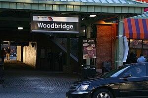 Woodbridge station (NJ Transit) - Woodbridge Station entryway.