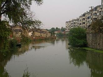 Hanjiang District, Yangzhou - Image: Yangzhou walking south from Baozhang Lake CIMG3223