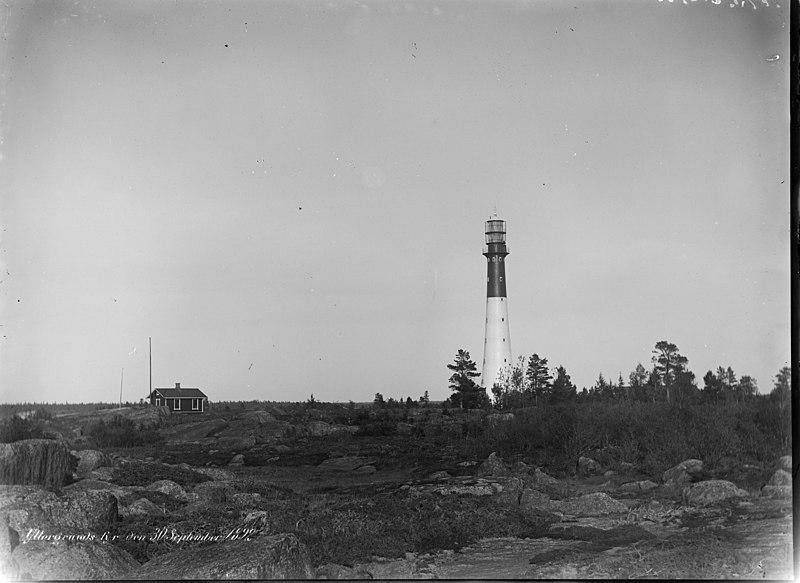 File:Yttergrund; majakka n. 300 m päästä kuvattuna (26140360494).jpg