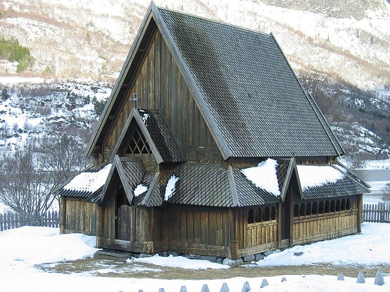 Archivo:Øye stavkyrkje 01.JPG
