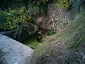 曾经是全村饮水唯一的一眼泉——金龙泉,现在废弃了 - panoramio.jpg