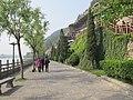 洛阳洛龙区龙门石窟景区里的道路 - panoramio.jpg
