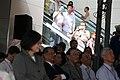 10.16 總統出席「臺中鐵路高架化」啟用儀式時,民眾以相機捕捉總統的身影 (29724210144).jpg