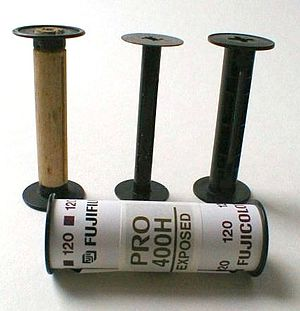 120 film - Original 120, 620 and modern 120 film spools with modern 120 exposed color film