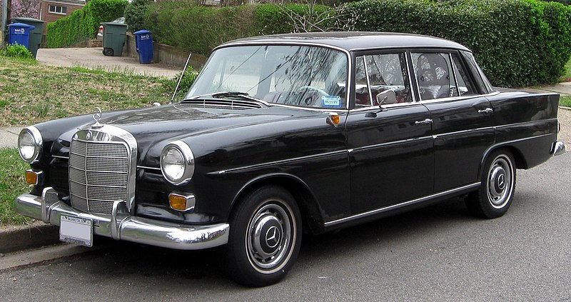File 1965 Mercedes Benz 190 D Sedan 03 16 2012 Jpg