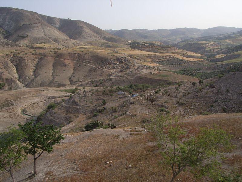 File:2008 Wadi el Arab mit Blick nach ONO.jpg