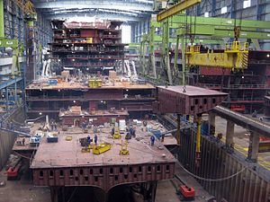 2011-08-26 Papenburg Meyer-Werft Baudock 1 AIDAmar.JPG