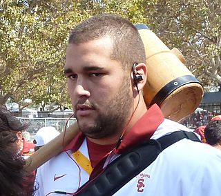 American football player, offensive tackle