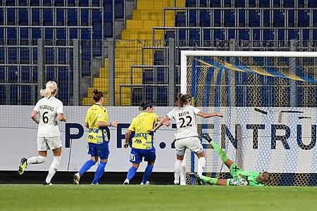 20180912 UEFA Women's Champions League 2019 SKN - PSG Brrun Olsen DSC 4918.jpg