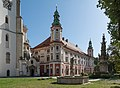 2019 Klasztor w Henrykowie 2.jpg