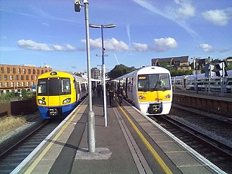 New Cross railway station - Image: 378139 and 376023 at New Cross
