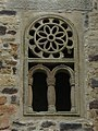 721 San Miguel de Lillo (Oviedo), façana oest, finestra esquerra.jpg