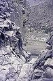 ASC Leiden - van Achterberg Collection - 16 - 54 - Une vue d'un étang ci-dessous entre les rochers - Ahaggar, Algérie - Février 1992.jpg