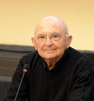 Aharon Appelfeld - Appelfeld at a conference in Espace culturel Cité, Luxembourg City, 2014.
