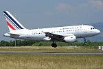 Air France, F-GUGD, Airbus A318-111 (19563945376) (2).jpg