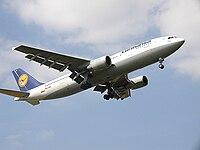 Airbus A300B4-603 of Lufthansa (D-AIAS).jpg