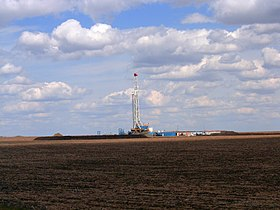 Alberta oil gas drilling well 023.jpg