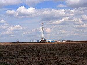 Economy of Alberta - Drilling rig in Alberta.
