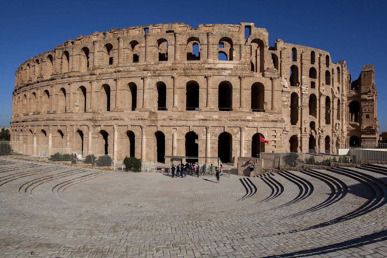 Amfiteater Romawi di El Djem, dibangun pada paruh pertama abad ke-3 Masehi